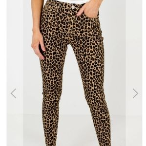 NWT Trendy Leopard Print Skinny Ankle Jeans